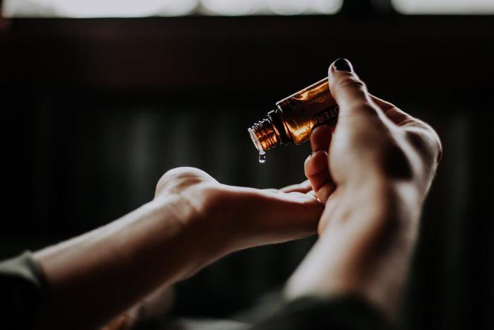 Ätherische Öle Flaschen